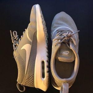 Woman's Nike air max sneakers